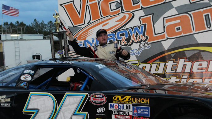 Diaz and Findley Prevail in Late Model Duels at Southern National