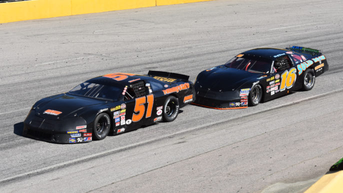 Chris Chapman Snaps Winless Drought in Limited Late Model Thriller