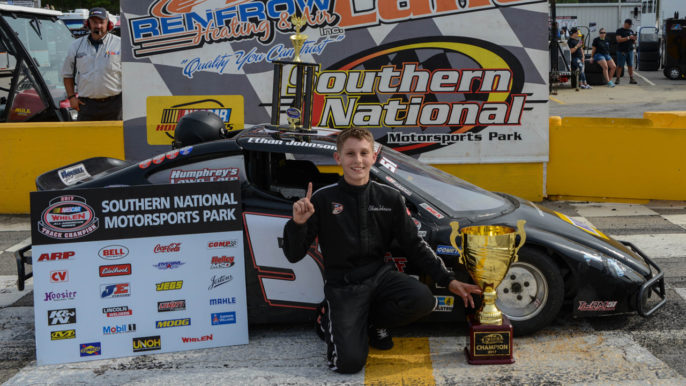 Ethan Johnson Dominates in Bandolero Division to Claim First SNMP Championship