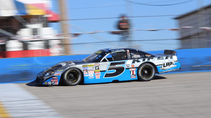 Lee Pulliam Claims Thanksgiving Classic Pole